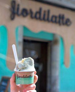 local fiordilatte Lugo centro heladeria Tarrina